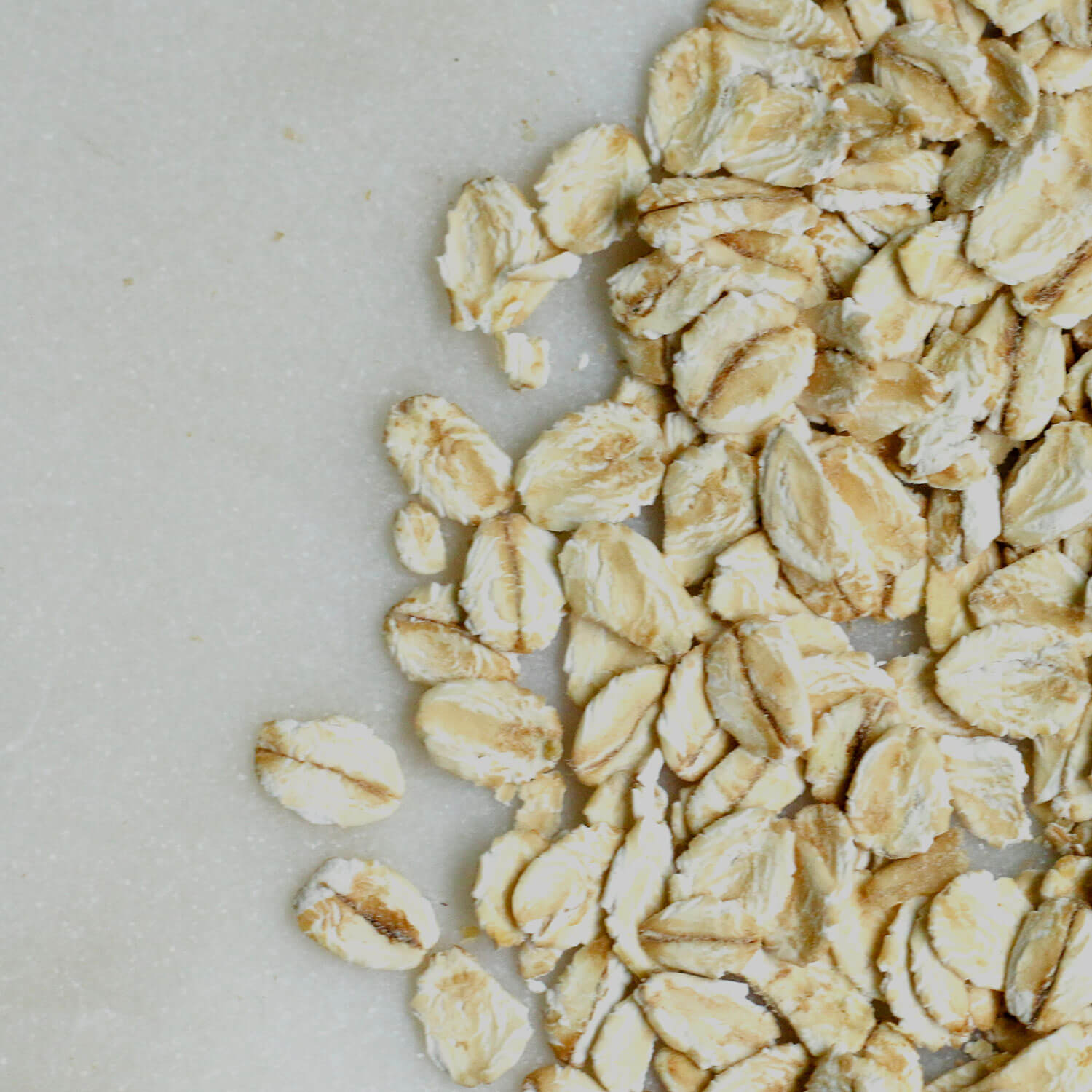 Scattered dry oats